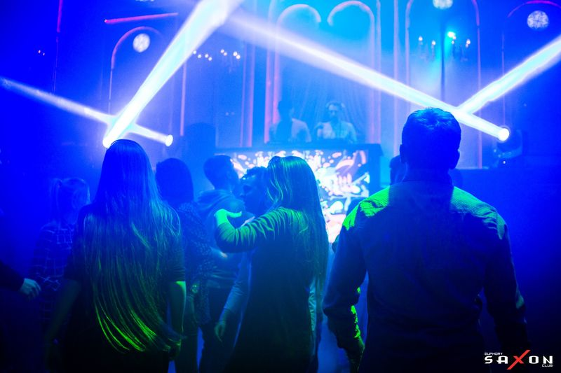 Вечеринка «Electronic Headz» в клубе «Saxon»