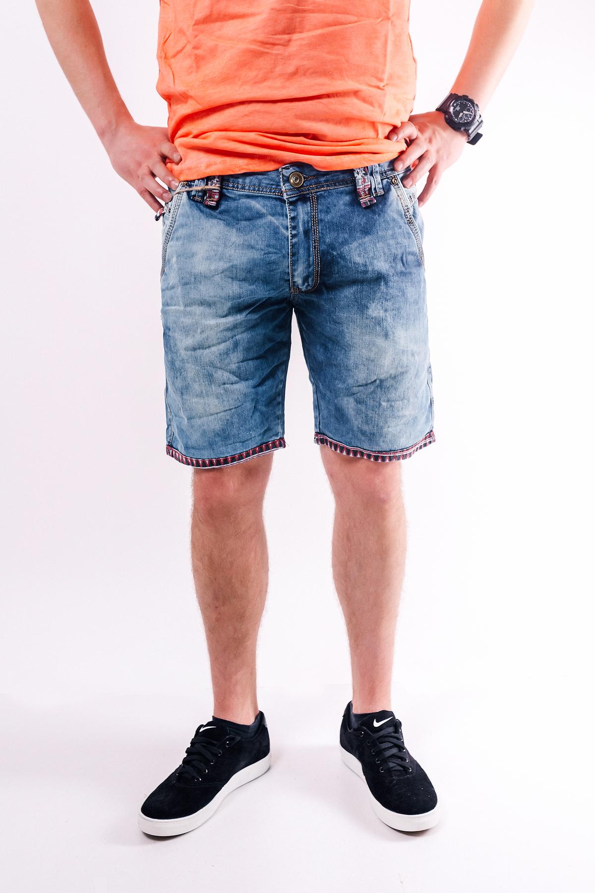 Нова колекція в магазині чоловічого одягу «Millionaire»