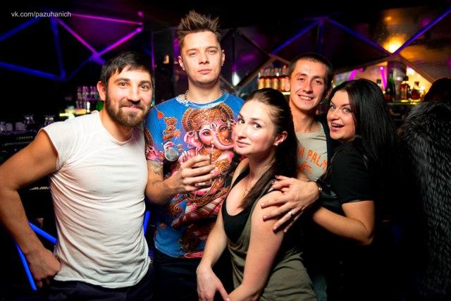 Всемирный день мужчин с DJ Madonna в клубе «Happy Place»