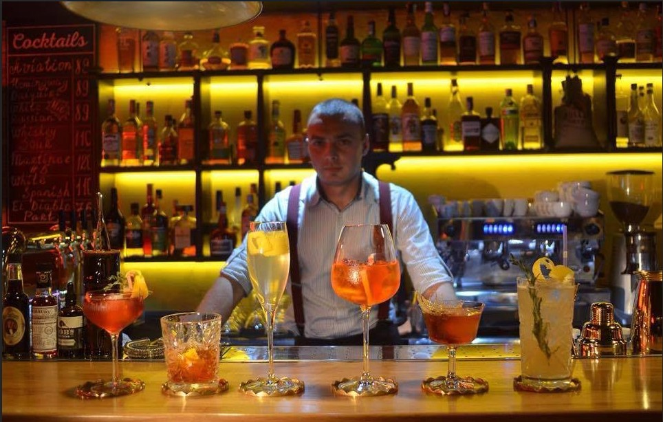 Презентация новой коктейльной карты в баре Silver Spoons