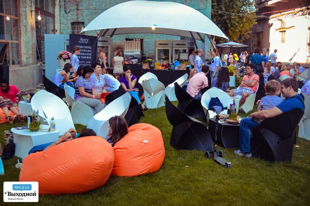 «12 Фестиваль Уличной Еды» на арт-заводе «Платформа»