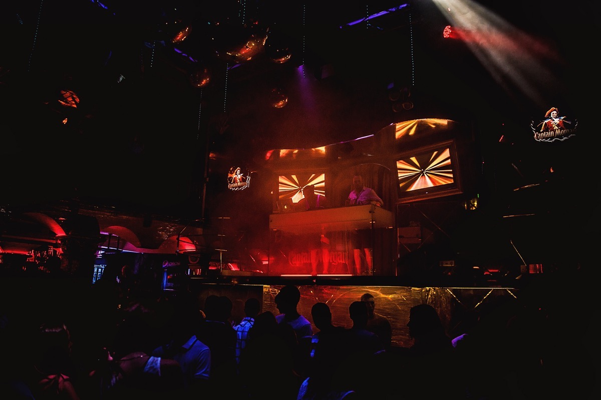 «Holi Colour Fest» в клубе «Saxon»