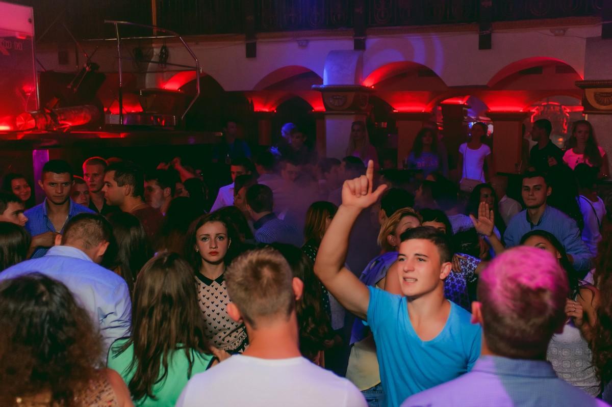 «Легенды Рейва» в клубе «Saxon»
